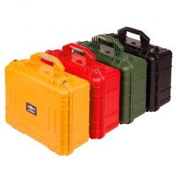 Packshots der Truhen und Koffer
